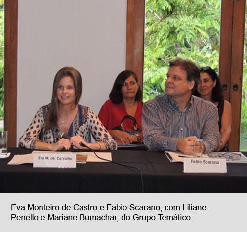 Eva Monteiro de carvalho e Fabio Scarano, tendo ao fundo Liliane Penello e Mariana Bumachar